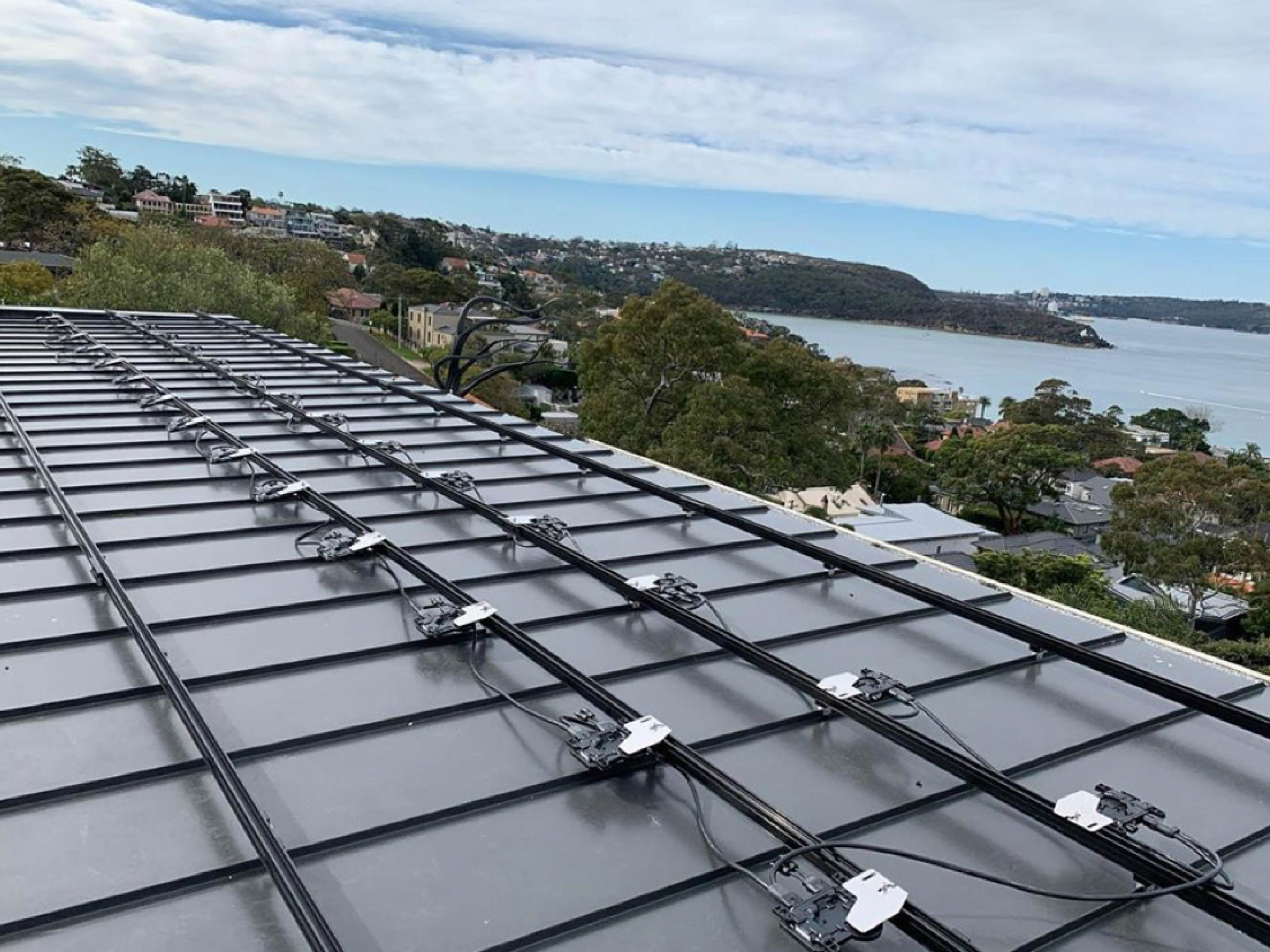 Rail vs. Rail-less: Which Is the Best Solar Mounting Platform for Your Roof?